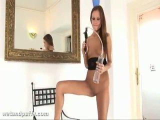 Abby using labia พัมพ์