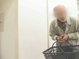 Krūtainas japānieši mammīte hitomi tanaka used uz publisks