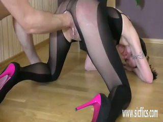 Fisting jej loose nastolatka twat till ona squirts