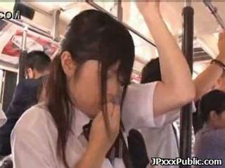 Seksualu japoniškas paaugliai šūdas į viešumas places 34