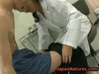 Ajaýyp ýaşy ýeten natsumi kitahara does