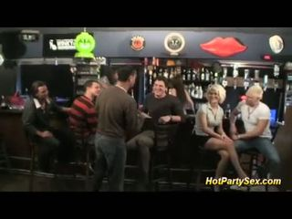गॅंगबॅंग पर the cocktail बार