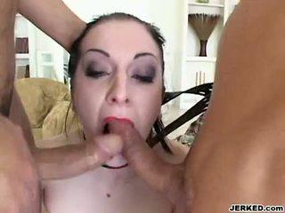 Renee pornero takes 2 grūti jocks par viņai mute pie the tas pats laiks