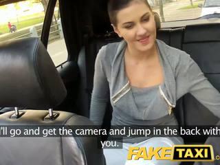 Faketaxi hátsó ülés szex tovább nyilvános roadside