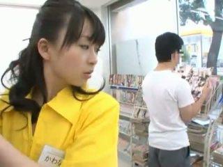 Hiina miss has shaged tohutu sisse tema trimmed cave