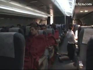 Flyvertinne runking passenger & tasting hans kuk