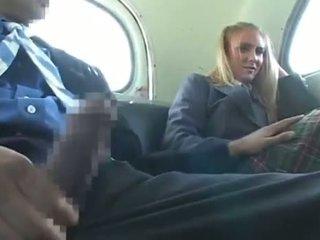 Dandy 171 สีบลอนด์ นักเรียน ผู้หญิงใส่เสื้อผู้ชายไม่ใส่เสื้อ สนุก บน รถบัส 1