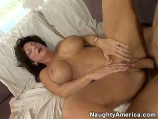 Excitat milf deauxma gets o proaspăt load de sperma în ei gură