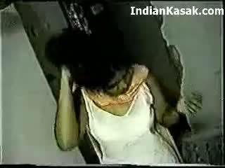Indiane desi farhana qirje shumë i vështirë me hubby