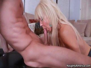 Napalone blondynka gymnasts