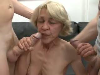 Saggy גרמני סבתא מזוין על ידי two guys