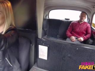 Female fake taxi spāņi guy fucks the blondīne taxi.