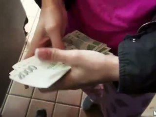 Blonde amateur nailed n cumshot for cash