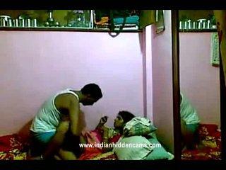 印度人 rajhastani pair 在 traditional 印度人 outfits having 色情 巨人