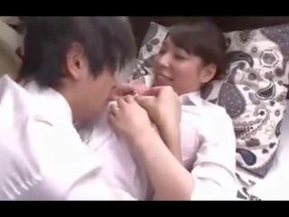 Virgin dēls comforted: bezmaksas mammīte porno video 21