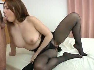 Yumi kazama - সুন্দরী জাপানী মিলফ