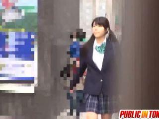 Delicious japans schoolmeisje enjoys seks adventure
