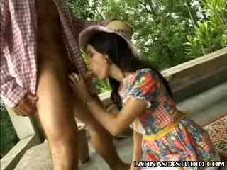 Dong slurping chica luisa