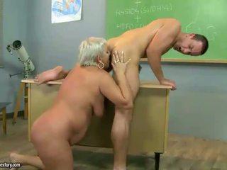Rijpere leraar neuken met haar student
