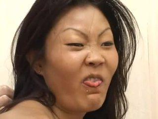 Lucy lee receives een rommelig gezicht creaming na hard dp