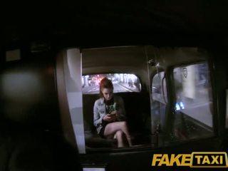 Faketaxi बोए band groupie settles के लिए सेक्स साथ the taxi driver - पॉर्न वीडियो 881