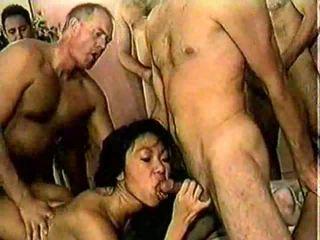 Xxx aziatisch rijpere whores in heat krijgen banged