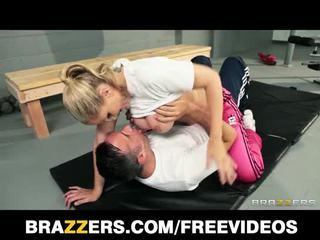 Dominant blonde trainer Julia Ann gets...