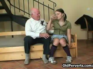 esmer, yutmak, yaşlı erkekler