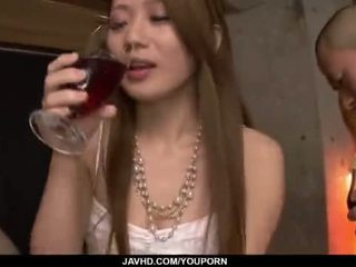 Kazumi nanase feels alcuni men scopata suo cherry