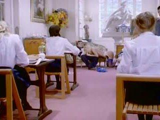 एचडी क्लॅसिक फ्रेंच पॉर्न 1 dubbed में english: फ्री पॉर्न 95