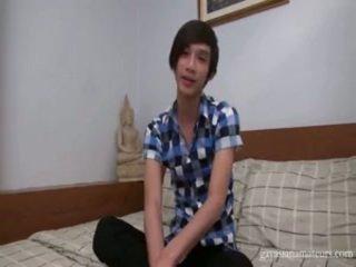 Schattig thai lad bips openned omhoog