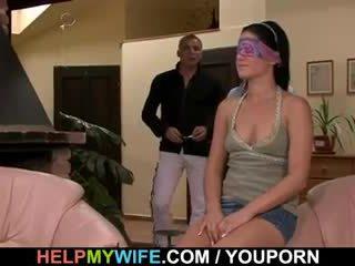 Unge kone gets en cuckolding overraskelse