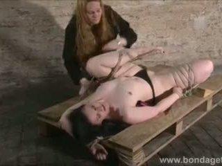 kinky, piesaistīti, fetišs