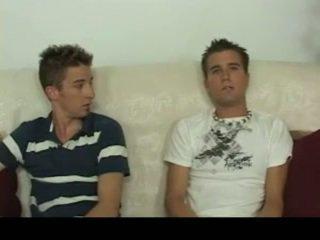 Aiden & sean having homosexual seks edasi the sohva homosexual porno 4 poolt gotbroke
