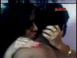 Indiai mallu színésznő maria aunty baszás -val tizenéves fiú