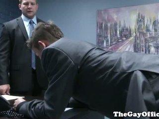 Gaysex boss spanks ja fucks tw-nk assistant
