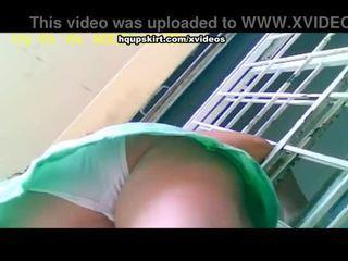 Blank full-back panty hq onder het rokje