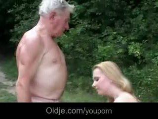 Огромен breasted млад уличница gives дядо epochal майната