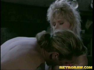 Retro blondinė gets išgręžtas didelis