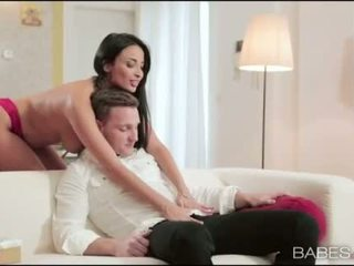Vollbusig mieze anissa kate arschloch pounded