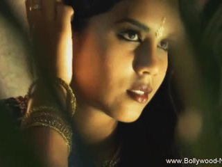 The dance arasında india revealed