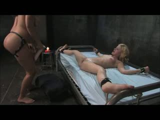 Cute Blonde Fucked With Strapon & Fisted (Zdonk)