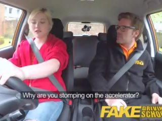 Fake driving σχολείο πίσω κάθισμα μουνί squirting και εκσπερμάτιση μέσα για τέχνη μαθητής/ρια