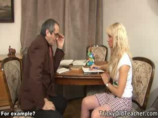 Owadanja blondie fucked brutally by her ýoldan çykan mugallym.