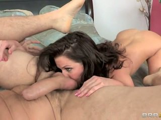 Big titted lady polisiýa veronica avluv goes at it