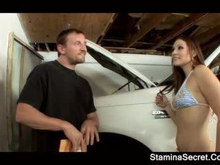 Elizabeth querido keeping dela carro premium para baixo