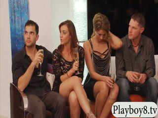 Casada pessoas swinging e grupo sexo em playboy mansion