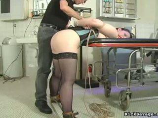 Rick savages torturing skaistule