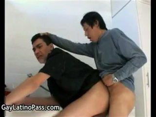 Alberto en luciano homo neuken en engulf penis 2 door homosexuallatinopass