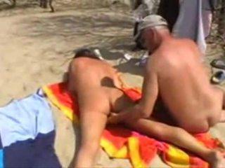 Michel steuve khỏa thân trên các bãi biển